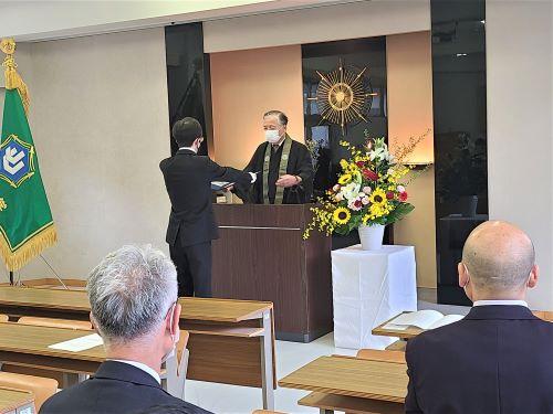 前期の学位記授与式が行われました。